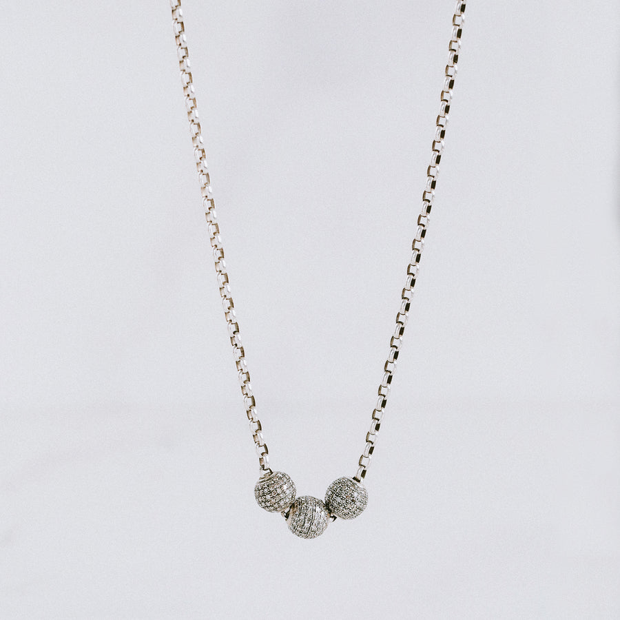 Short Box Chain with Three Diamond Beads