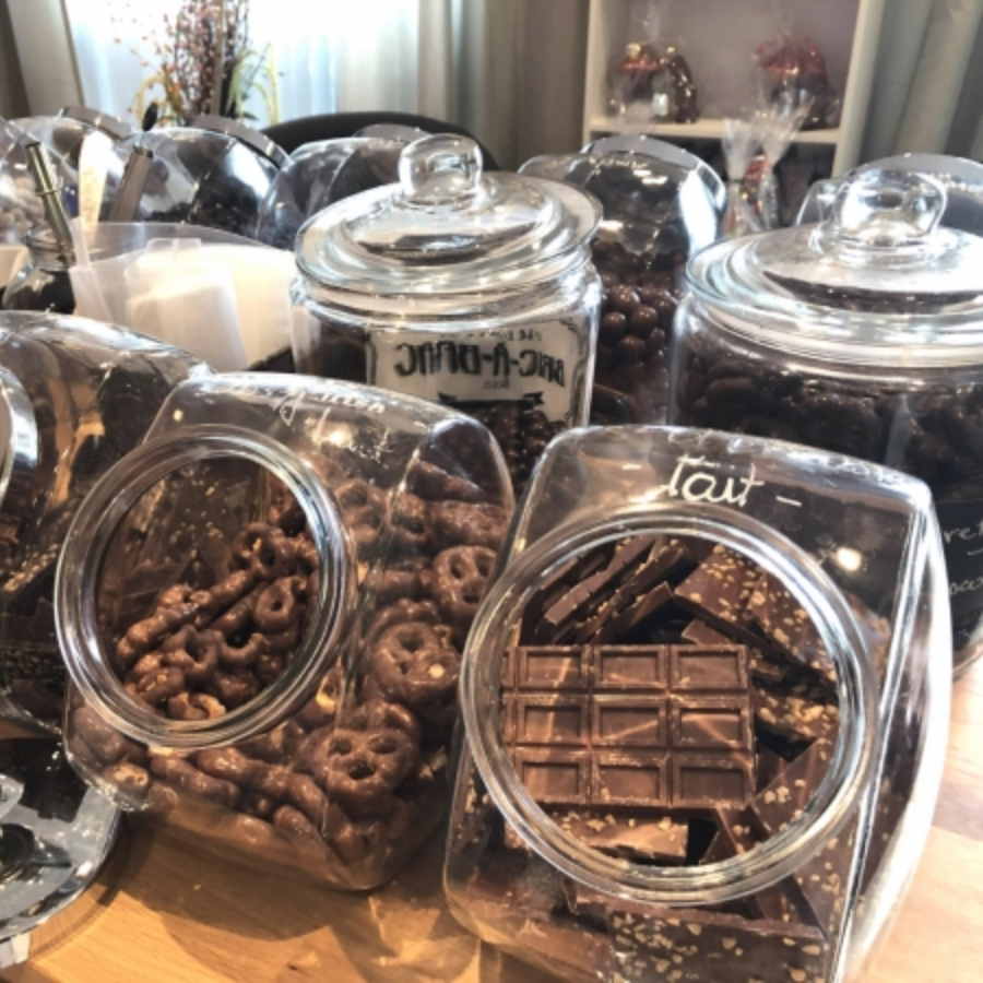 Bulk! Milk chocolate covered gluten free pretzels 500g.