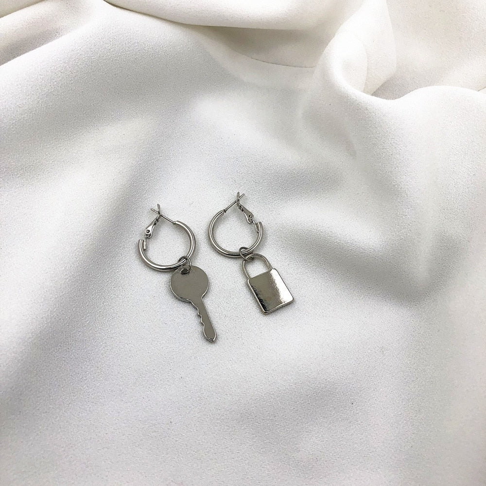 Asymmetric Cold Wind Key Lock Earrings