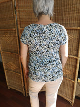 Load image into Gallery viewer, Soya Concept Floral Blouse - Blue