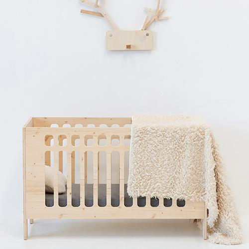 babybed massief ecologisch sparrenhout jo lollipop rebels