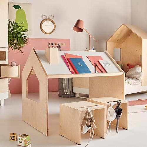 kutikai stoelen en playhouse desk lollipop rebels