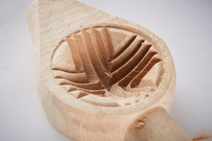 Load image into Gallery viewer, Hand Carved Biscuit Mould - Crisscross