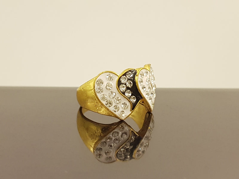 Back & White Stone Enamel Stylish Ring 2