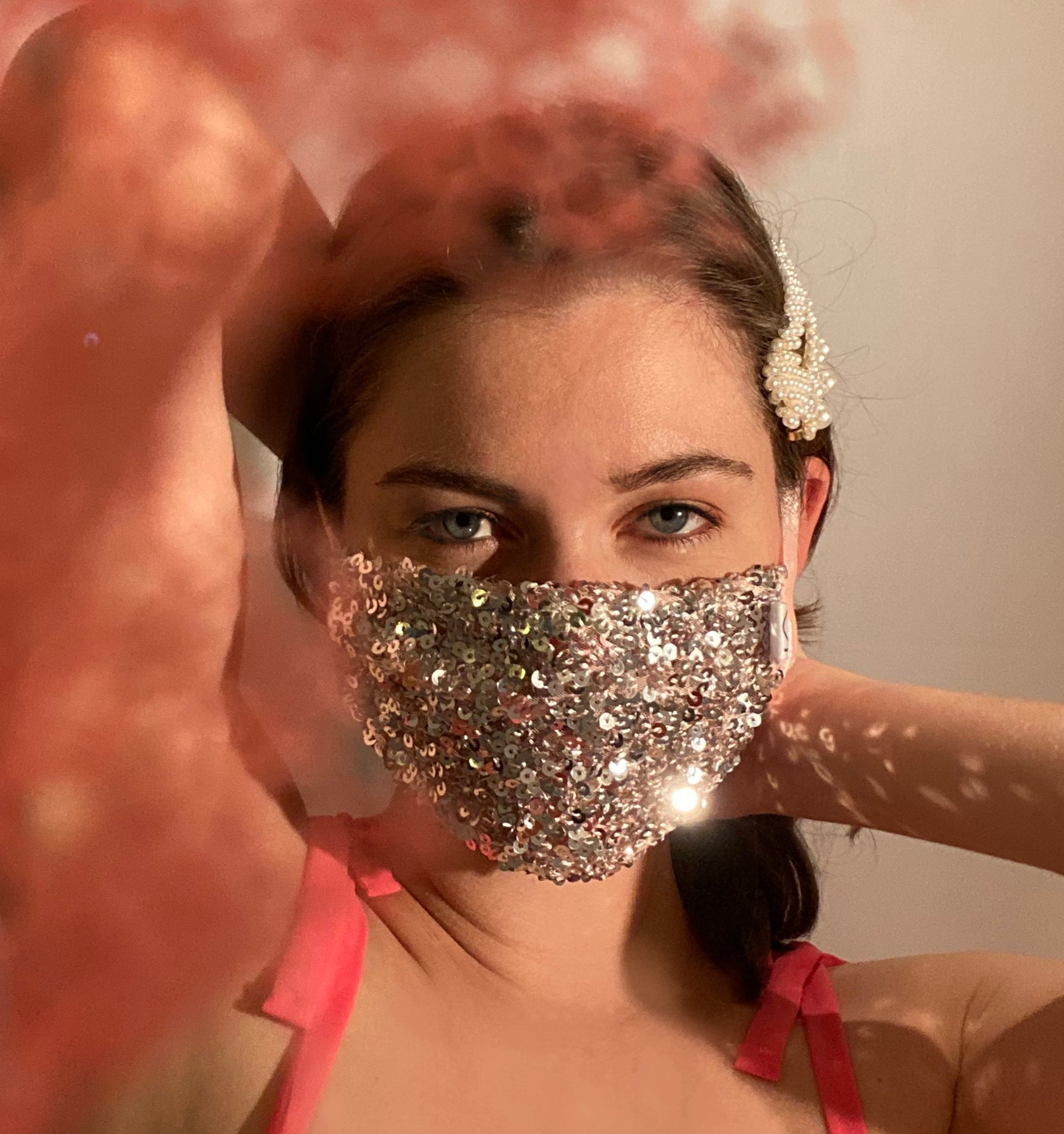 Noble sequins mask