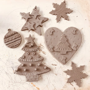 Ceramic Christmas decoration workshop