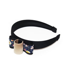 Load image into Gallery viewer, Baram Floral-print and Grosgrain Bow Satin Headband - Black