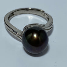 Load image into Gallery viewer, 'Alex' Freshwater Pearl Ring