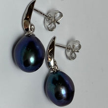 Load image into Gallery viewer, 'Bella' Freshwater Pearl Earrings