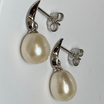 'Bella' Freshwater Pearl Earrings