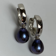 Load image into Gallery viewer, 'Ally' Freshwater Pearl Huggie Earrings