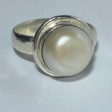 Load image into Gallery viewer, 'Shell' Freshwater Pearl Ring
