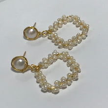 Load image into Gallery viewer, Freshwater Pearl Earrings
