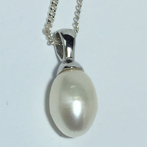 'Penny' Freshwater pearl pendant