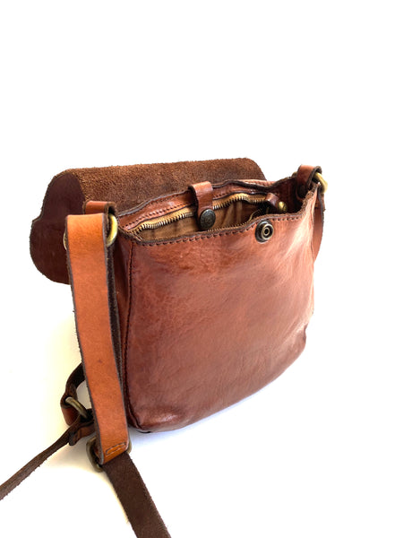 Small Crossbody in Cognac Leather - Mag.Pi