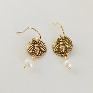 #205 Ancient Bee Intaglio Earrings - Mag.Pi