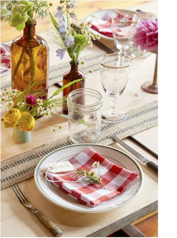 Garden Table Setting & Decorations