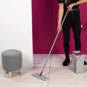Kleeneze Flat Head Mop with Space Save Bucket