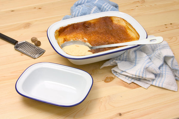 Enamel Rectangular Pie Dish 20cm