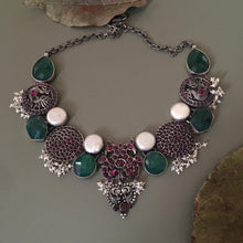 Load image into Gallery viewer, Emerald Chandrakantha Necklace