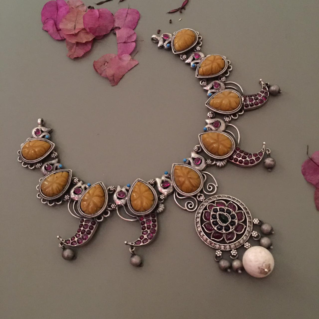 Mia Chandrakantha Necklace