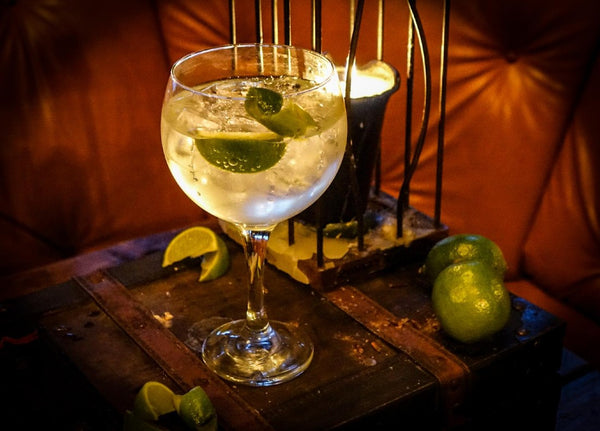 Bombay Classic London Dry Gin & Tonic