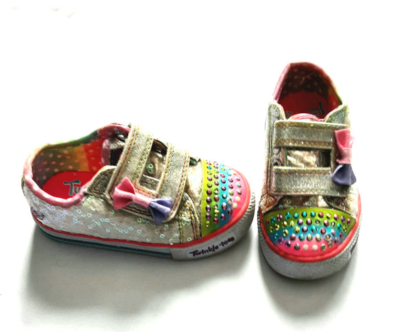 Sequins & sparkle light up sneakers. Size 6