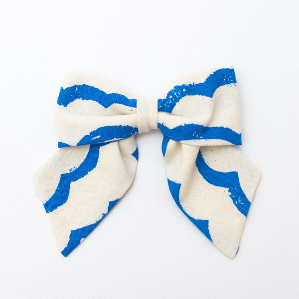 Classic Bow | Waves