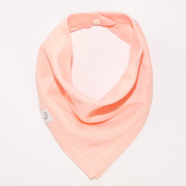 "Ollie Bandana Bib in ""Fresh Peach"" // Double Gauze"