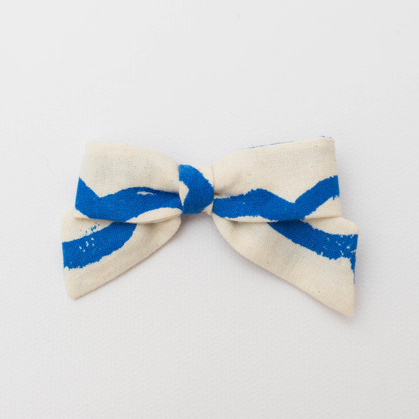 Petite Bow | Waves