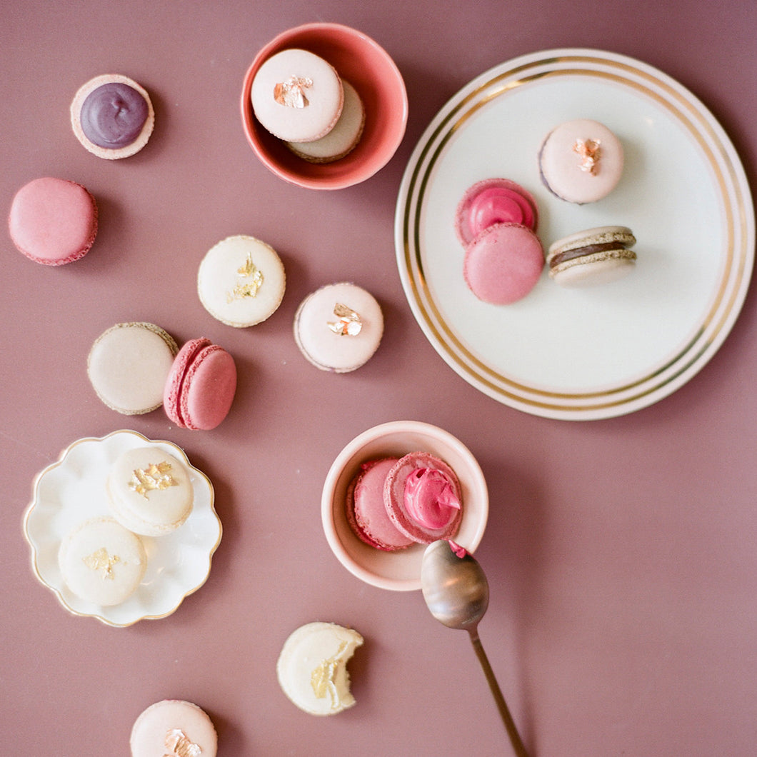 Assorted Macarons (1 dozen)