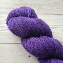 Load image into Gallery viewer, SALE Ultra Violet - Audrey - Classic Sock