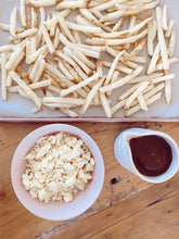 Load image into Gallery viewer, Family Size Poutine DIY Kit