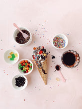Load image into Gallery viewer, Ice Cream Sundae DIY Kit