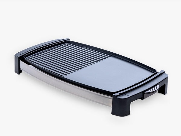 sleek looking dual pan griller and griddle with temperature adjustment