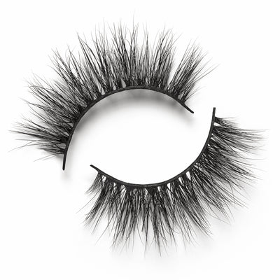 This 3D Mink, rounded, ultra-wispy set of false lashes is ideal for achieving an Insta-worthy glam finish. Adds length, volume and seduction to any look, while still being incredibly lightweight for a comfortable wear.