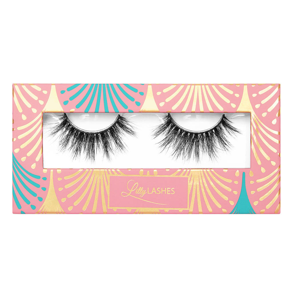 3D Miami, rounded, ultra-wispy set of false lashes is ideal for achieving an Insta-worthy glam finish. Adds length, volume and seduction to any look, while still being incredibly lightweight for a comfortable wear.