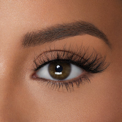 Paris in 3D Faux Mink lash shown on round eye