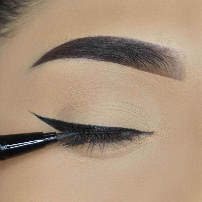 Shake well before use. Apply two layers of eyeliner onto your eyelids and let it dry for a few seconds