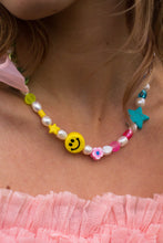 Load image into Gallery viewer, The Jennifer Pearl smiley necklace - Blackcurrantpop