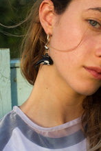 Load image into Gallery viewer, The BILLIE Single Earring - Blackcurrantpop