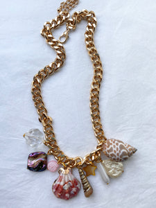 The LILY Charm Necklace - Blackcurrantpop