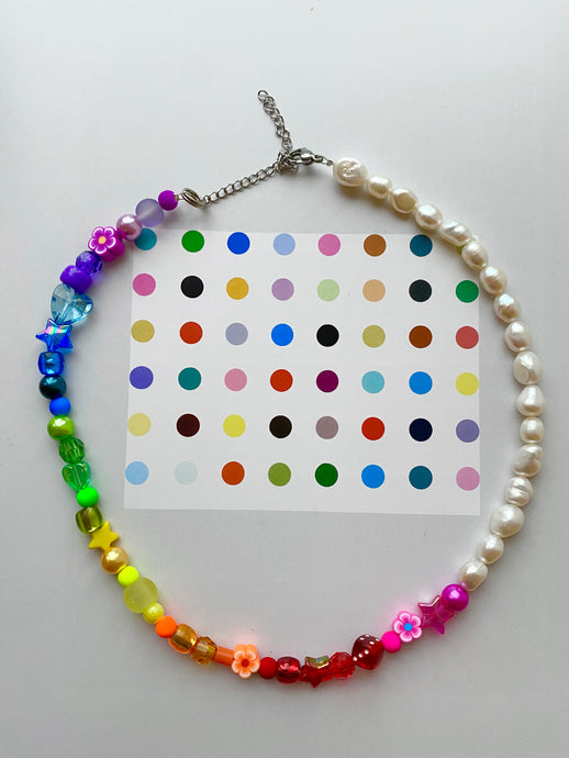The GEMMA  Pearl rainbow Choker - Blackcurrantpop