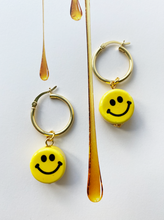 Load image into Gallery viewer, The BUTTERCUP Earrings - Blackcurrant Pop