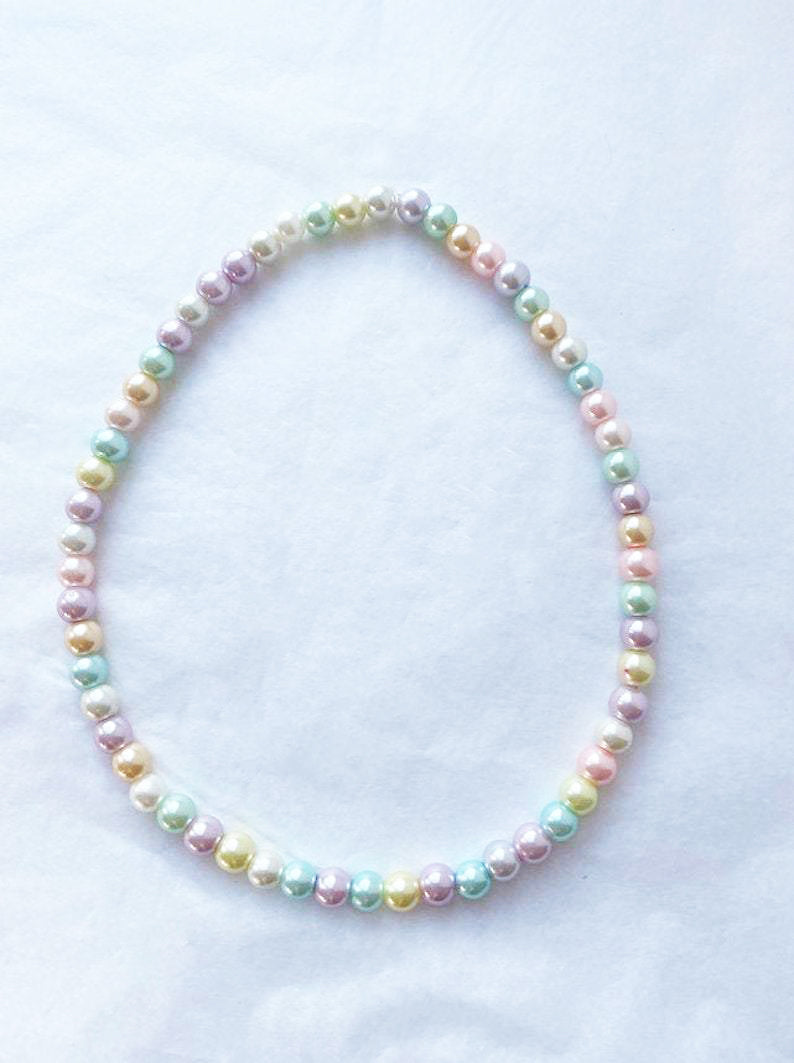 The ASHLEY Pastel Pearl Necklace - Blackcurrant Pop