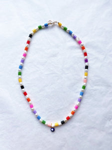 The TAI Rainbow pearl necklace - Blackcurrant Pop