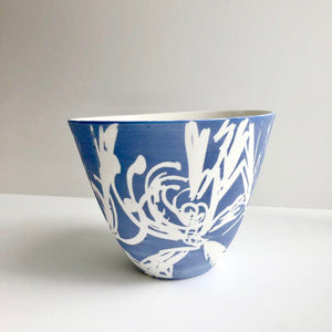 Porcelain 'Cut wildflower' vessel