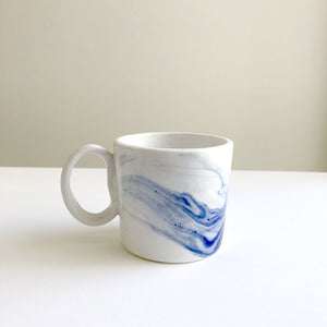 'Marble' porcelain cup by Lucile Sciallano
