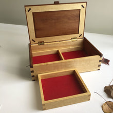 Load image into Gallery viewer, Rose mahogany and silver ash trinket box by Col Hosie