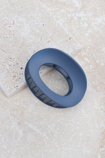 Ellipse Ring Hair Claw Clip